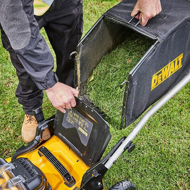 Mow for longer with substantial 55L storage